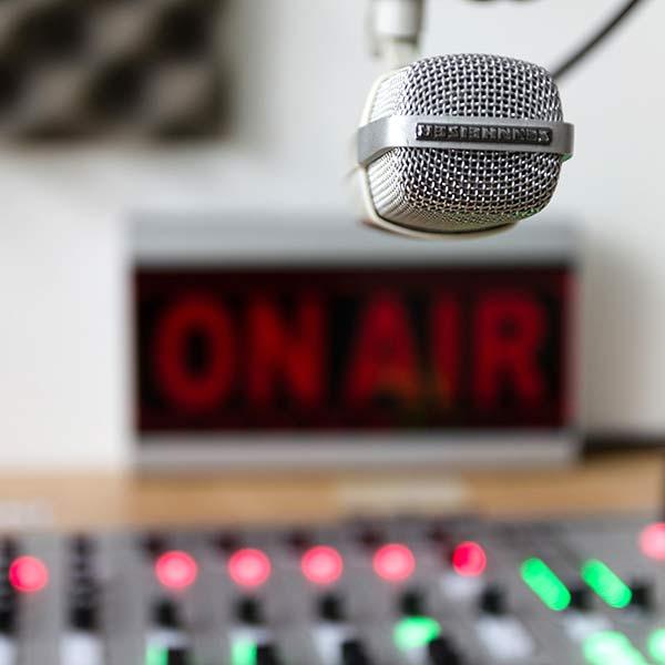 radio-mic-on-air-600sq